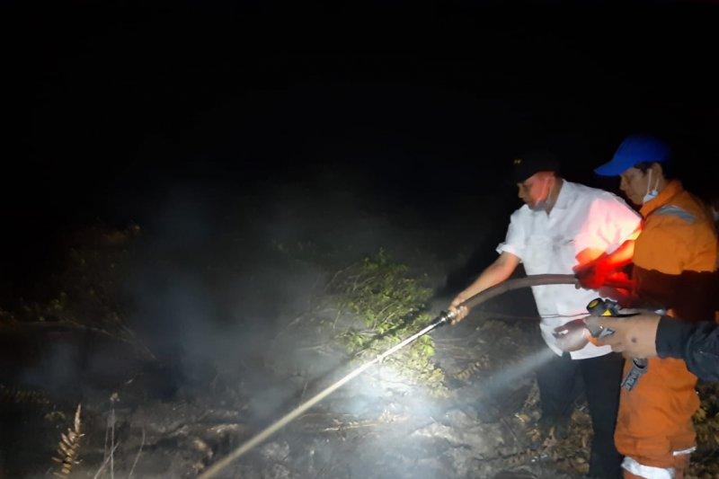 Kapolda Kalsel terjun padamkan lahan terbakar di Banjarbaru
