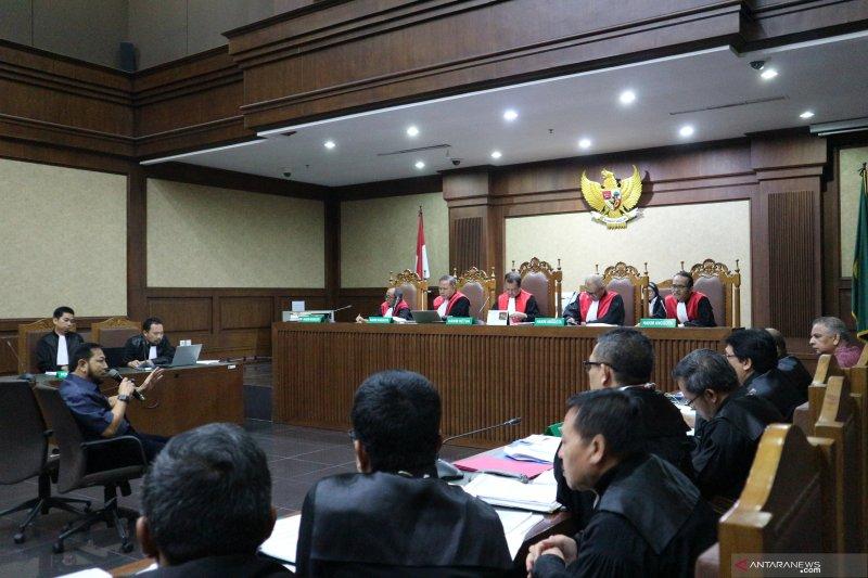 """Setya Novanto bantah tahu dapat """"fee"""" dari pengusaha"""