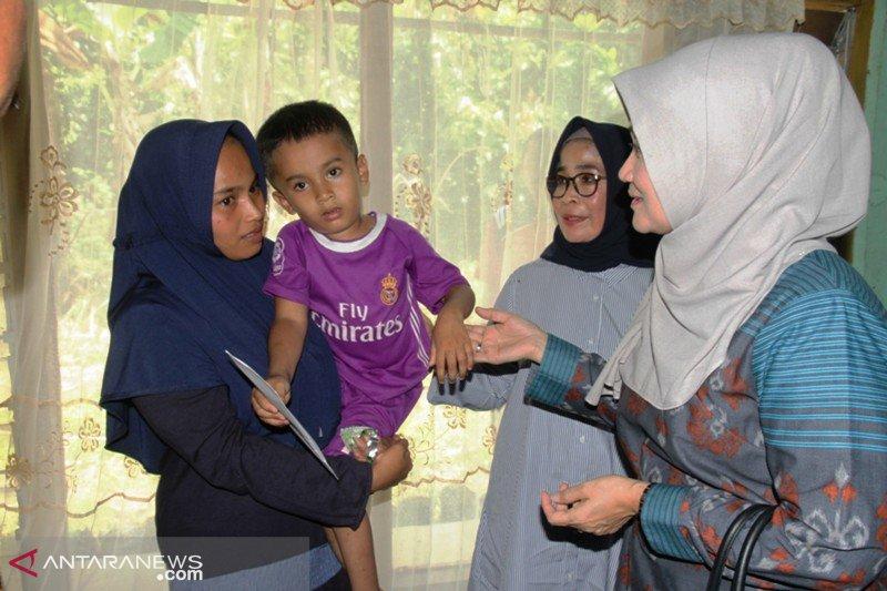Ikatan Keluarga Tanah Datar Lampung bantu anak penderita hidrosefalus di Lintau Buo Utara