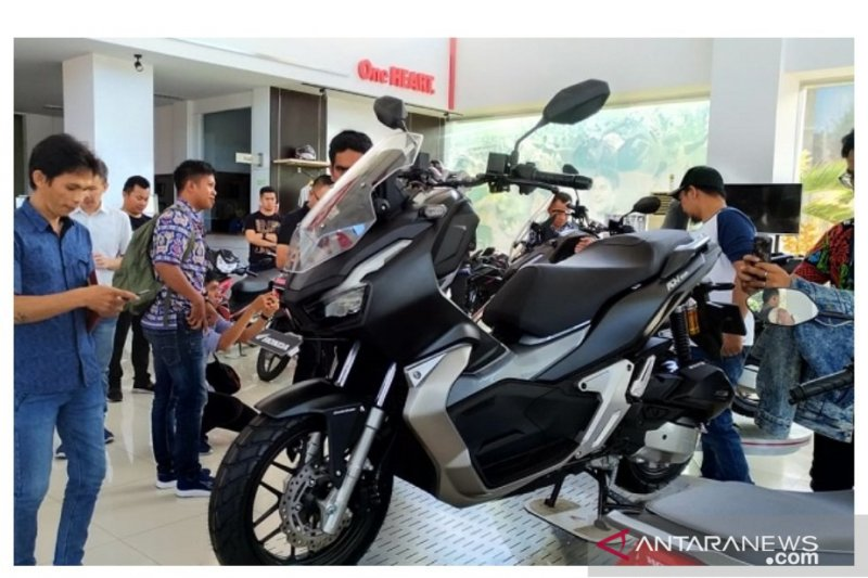 Minat masyarakat Sulawesi Utara  beli kendaraan roda dua tinggi