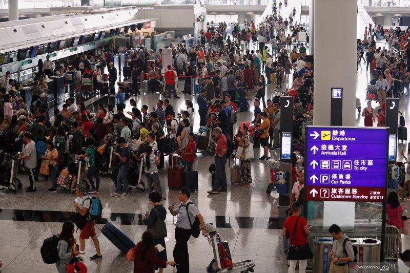 Setelah ditutup karena demo, Bandara Hong Kong kembali dibuka