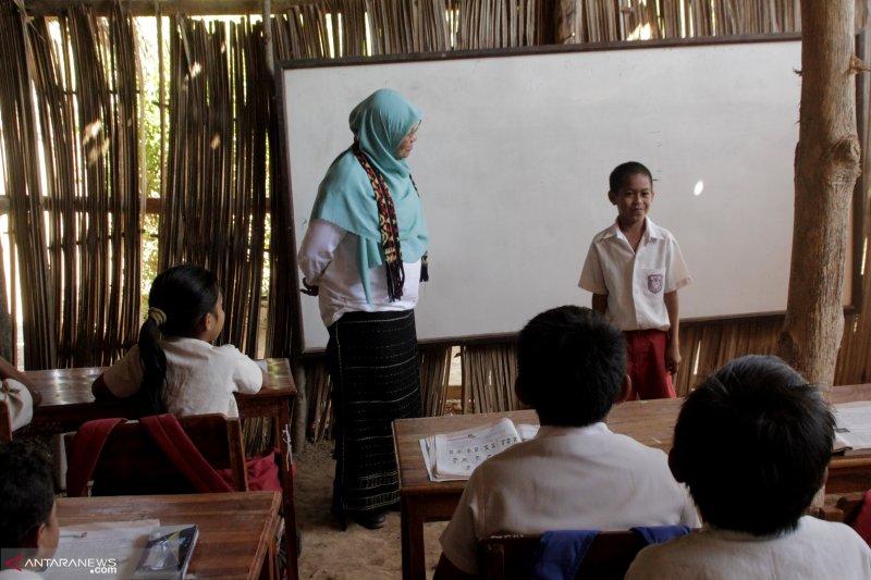Aksi sosial PPI Amerika-Eropa di Kabupaten Kupang
