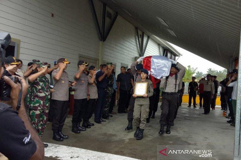 Kemarin, polisi gugur di Papua hingga sayembara penangkapan buaya