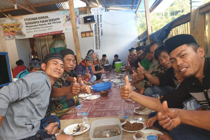 Warga Kampung mualaf Pinrang  doakan donatur ACT
