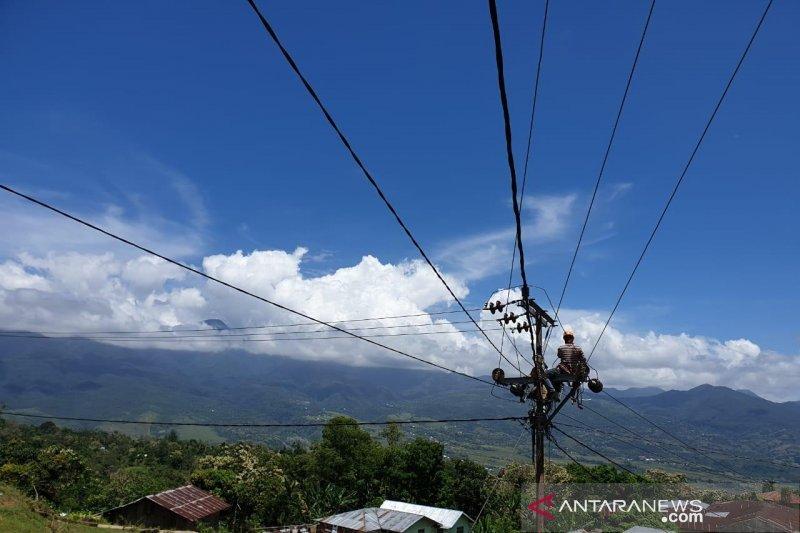 Akankah semua rumah tangga di NTT dapat menikmati listrik?