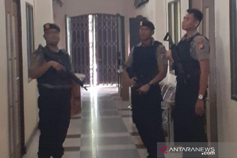 KPK geledah ruang panitia lelang Pemkot Dumai