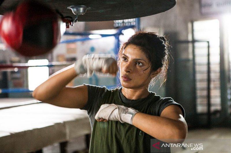 UNICEF diminta copot Priyanka Chopra sebagai duta