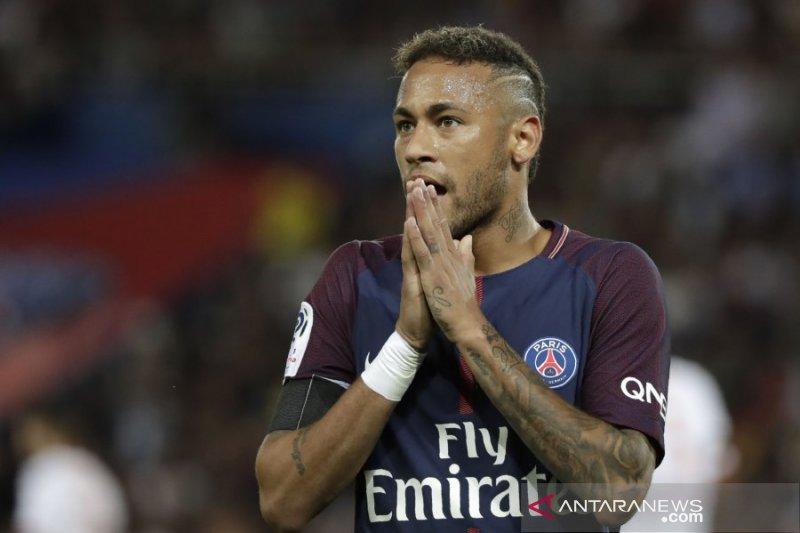 PSG tolak tawaran Barcelona pinjam Neymar