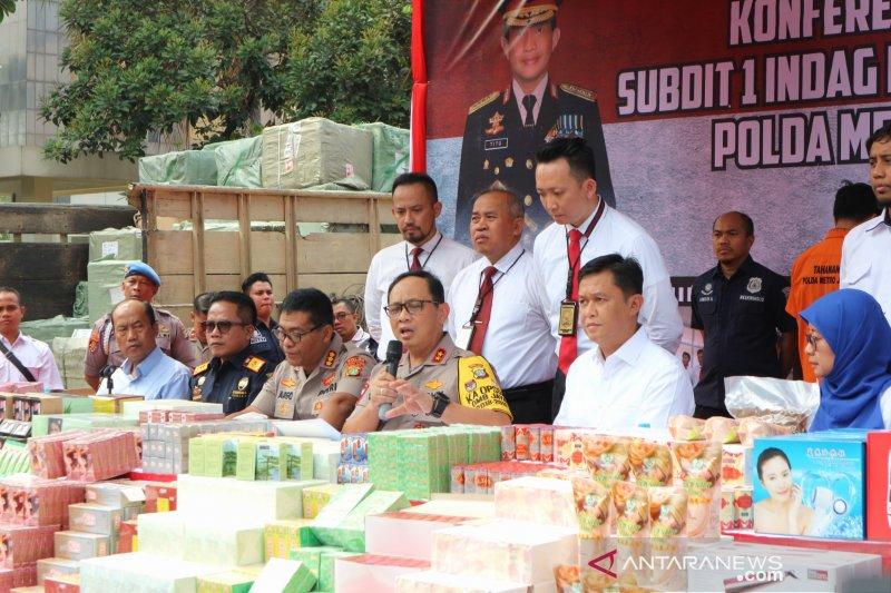 Polda Metro Jaya gagalkan penyelundupan jutaan produk ilegal