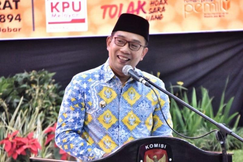 Hadiah pantun  dari Ridwan Kamil untuk 120 anggota DPRD Jabar terpilih