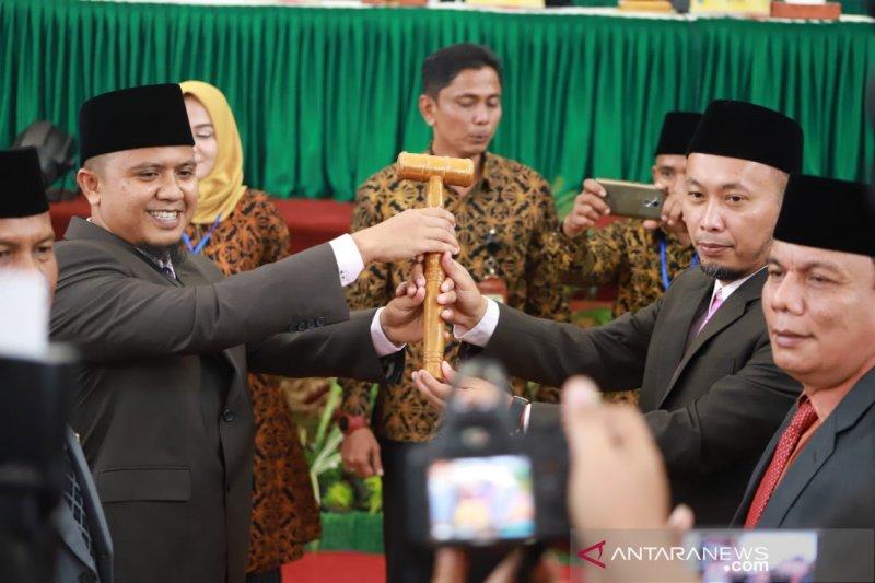 45 anggota DPRD Pesisir Selatan dilantik