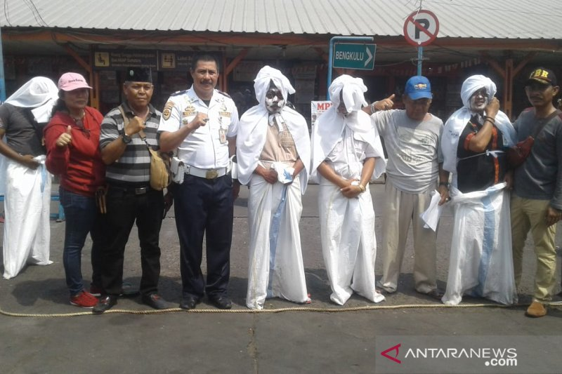 Jakarta kemarin, penandatanganan KUPA-PPAS hingga pocong balap karung