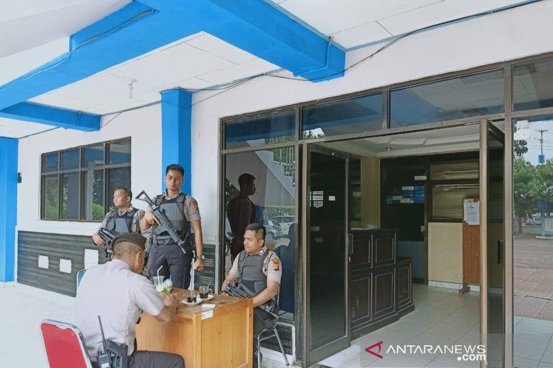 KPK geledah dua Kantor Dinas di Kota  Dumai