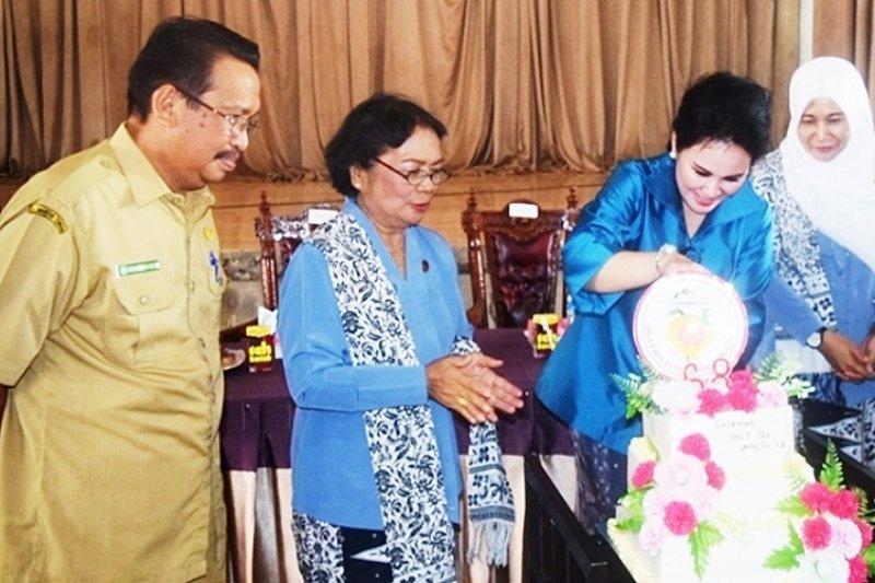 Bidan di Kapuas diingatkan perkuat kebersamaan dan saling mendukung