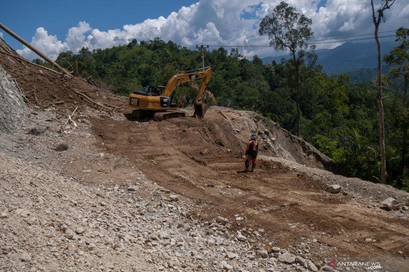 Longsor di jalan poros Palu-Kulawi isolasi 21 desa di dua kecamatan