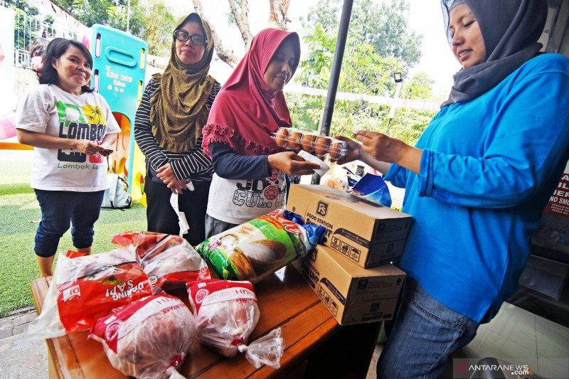 1.000 paket sembako untuk pekerja informal disalurkan di Tebet