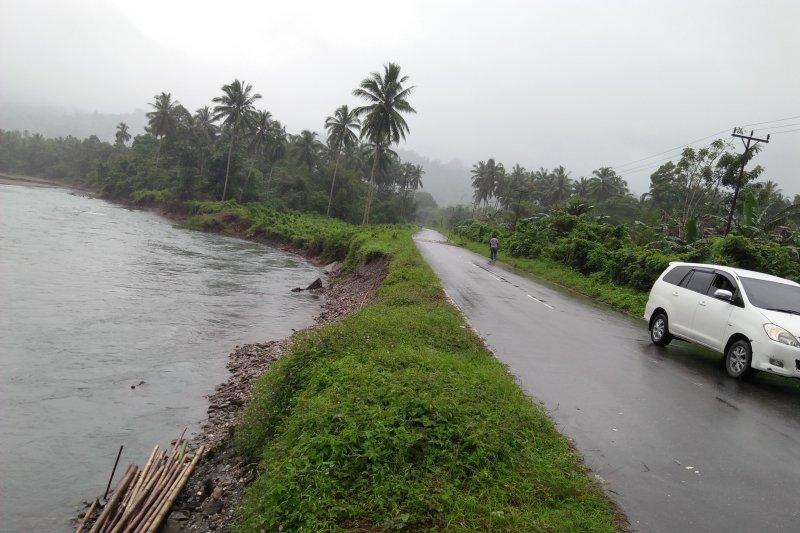 Pungli di lintas Pulau Ambon-Seram dikeluhkan puluhan pengemudi