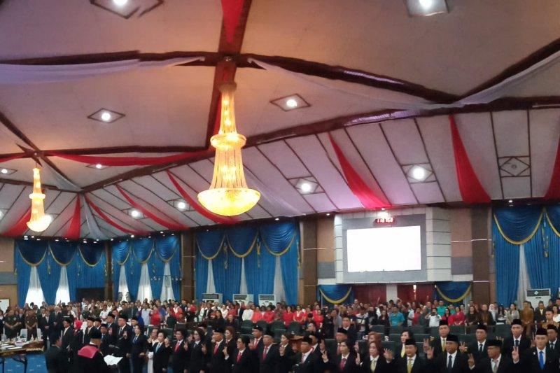 Resmi dilantik satu legislator masuk periode keempat