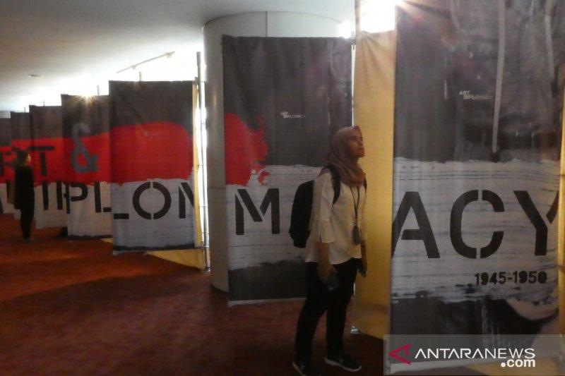 Kemendikbud, GFJA dan Perpusnas gelar pameran Art and Diplomacy