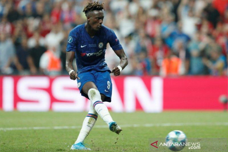 Usai dikalahkan Liverpool di Piala Super UEFA, fans Chelsea hina Abraham