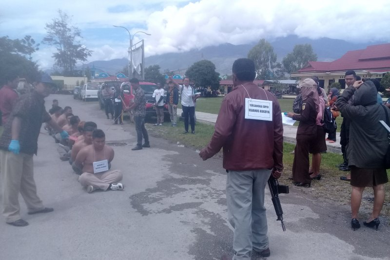 Polisi-Jaksa rekonstruksi perkara pembantaian pekerja jalan di Nduga