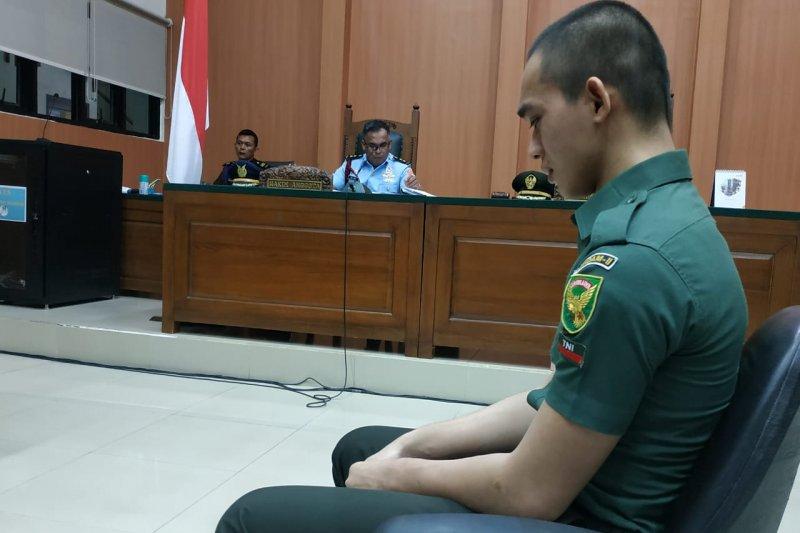 Oknum TNI terdakwa pembunuhan menangis saat kesaksian di persidangan