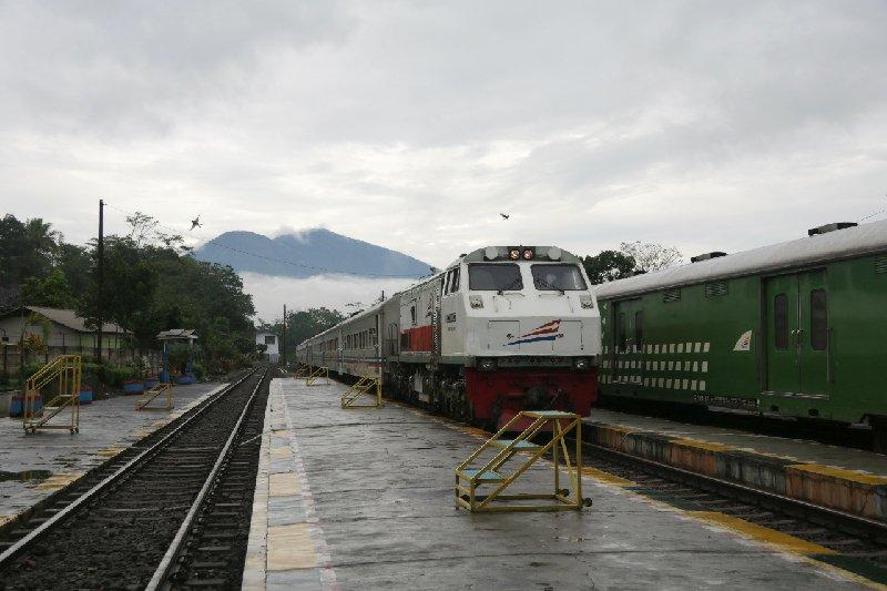 Jalur kereta api lintas Garut kembali normal