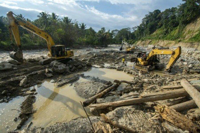 Normalisasi sungai Miu di Sigi Foto Page 1
