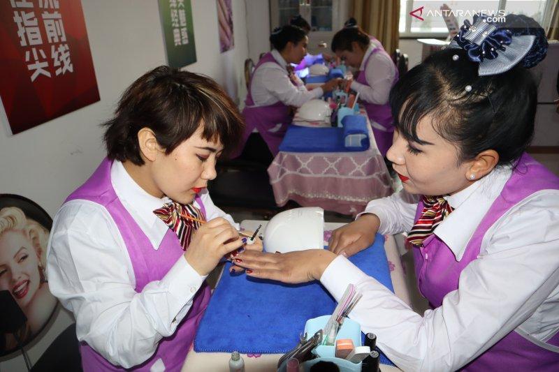 China rilis buku putih kamp vokasi Xinjiang