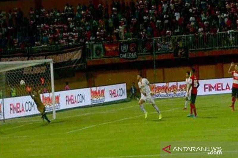 Madura United ditahan imbang tim tamu Persija Jakarta 2-2
