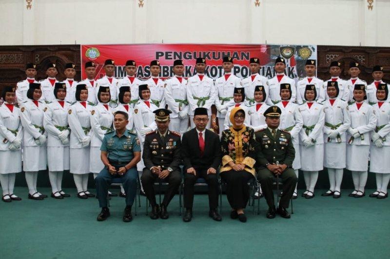 Wali Kota Pontianak kukuhkan 32 anggota Paskibraka
