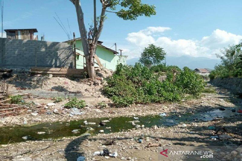 Warga  desak Pemkot Palu bangun tanggul pengaman anak Sungai Laoswani