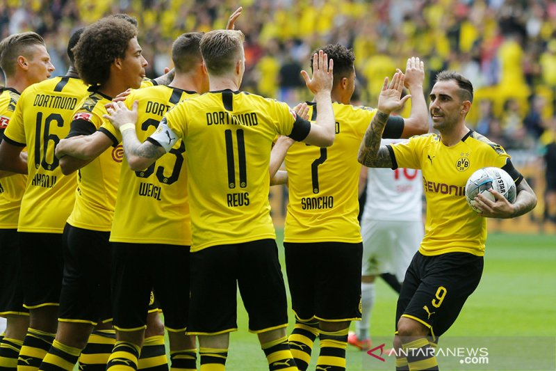 Dortmund buka musim lumat Augsburg 5-1