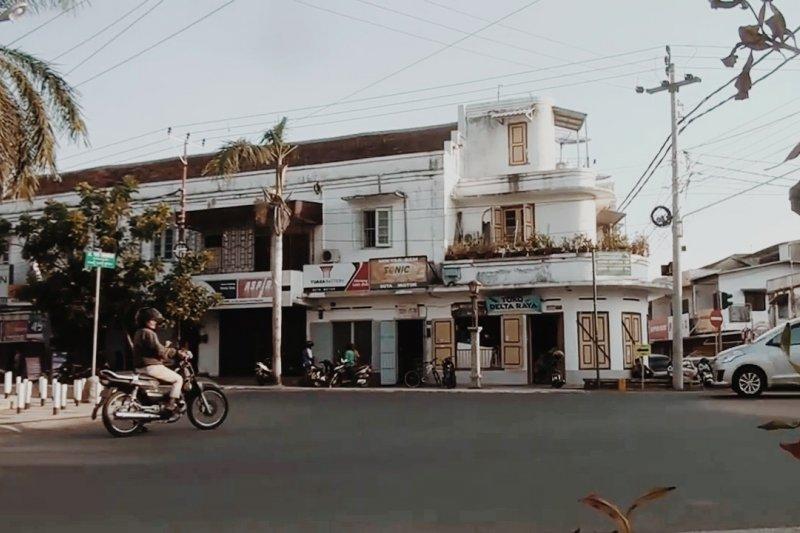 Simpang Lima Kota Tua Ampenan