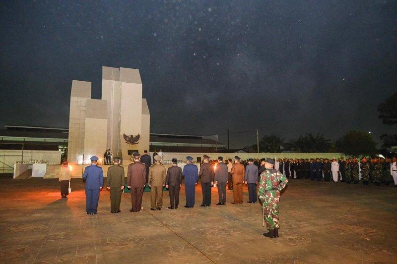 Gubernur dan Wagub Sulsel ziarah ke Makam Pahlawan