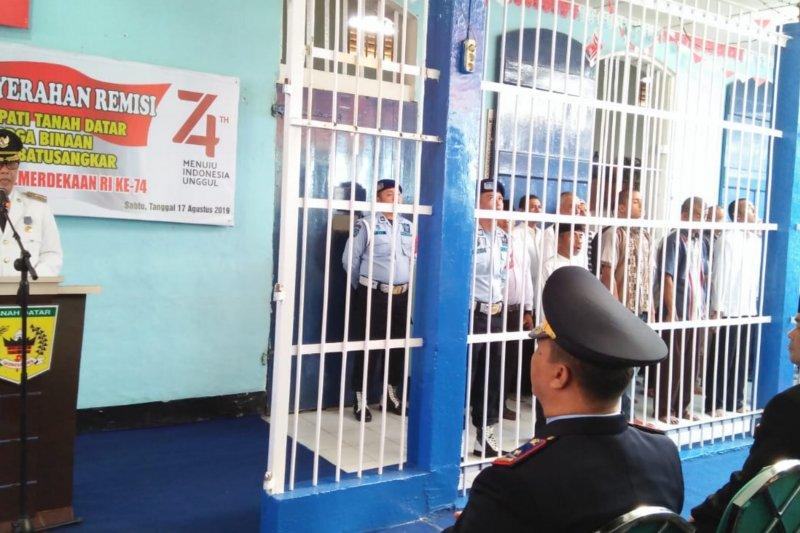 57 warga rutan Batusangkar terima remisi Hari Kemerdekaan