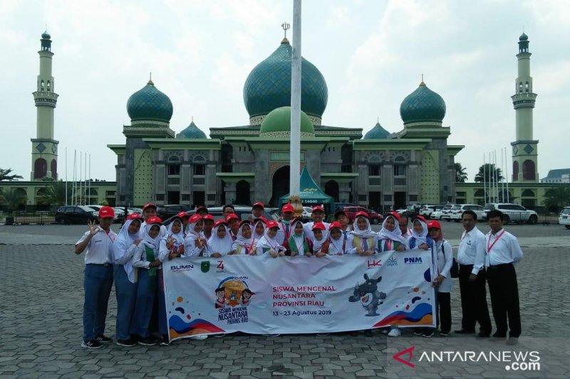 Kunjungan religi peserta SMN Yogyakarta ke Masjid An Nur Pekanbaru