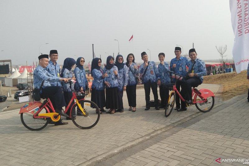 ASN nikmati bersepeda di Pulau Reklamasi