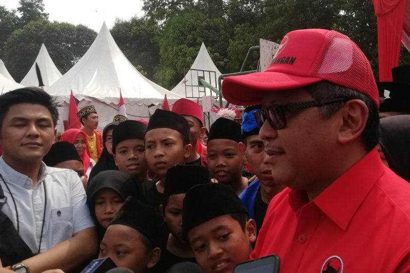 Hasto: Jokowi-PDIP sejalan soal GBHN