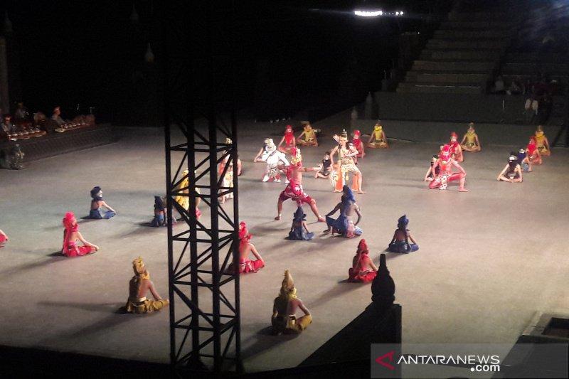 """SMN 2019- Peserta Siswa Mengenal Nusantara Riau diajak menyaksikan """"Ramayana Ballet"""""""