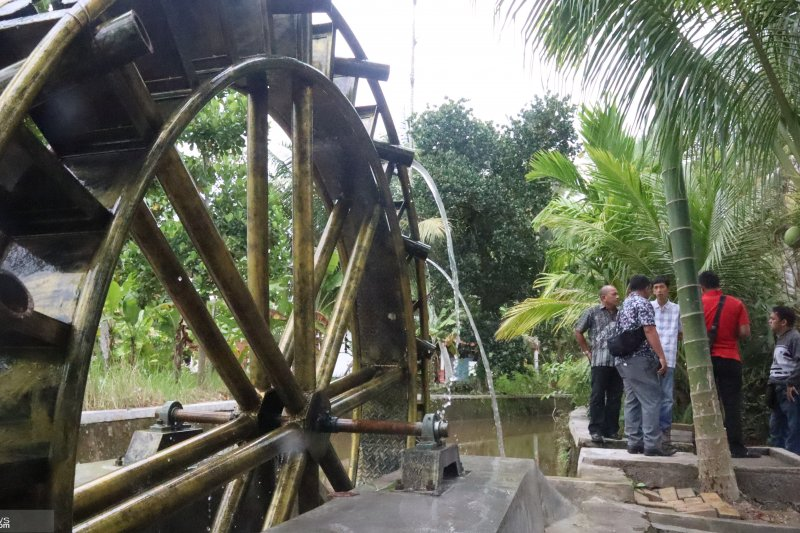 Pariaman City built a tourist attraction equipped with a water wheel