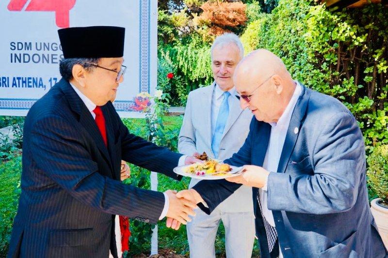 Dua warga Yunani dapat penghargaan pada HUT Ke-74 Kemerdekaan RI