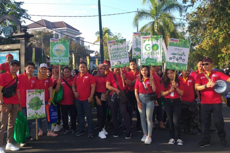 """Bersihin Indonesia"" di CFD Mataram"