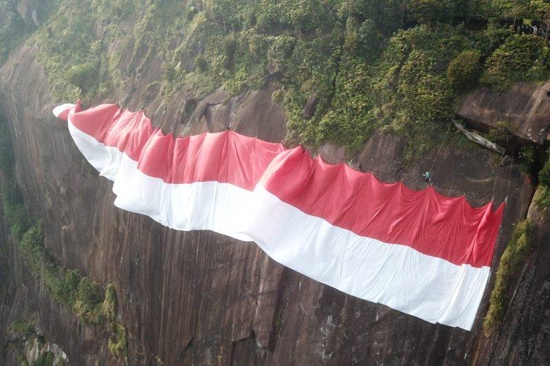 Nabila Sakip asal Malaysia ikut bentangkan merah putih di Kelam