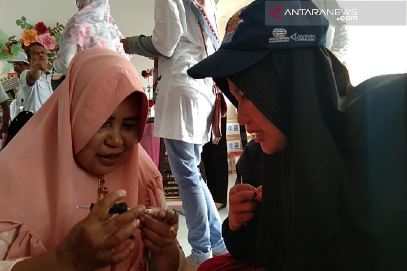 SMN 2019 Bangka Belitung belajar menenun kain adat Mekongga