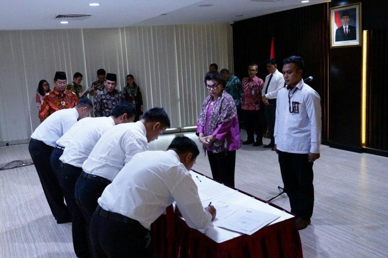 KPK lantik 18 penyidik dan tujuh JPU baru