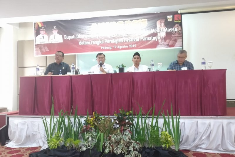 Dharmasraya holds Pamalayu Festival, an event full of historical values