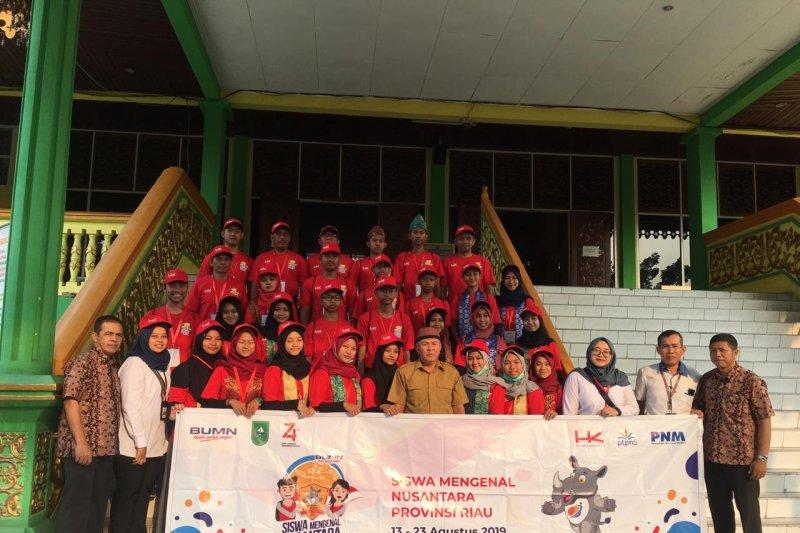 VIDEO - Peserta SMN Yogyakarta menyusuri Museum Sang Nila Utama Pekanbaru