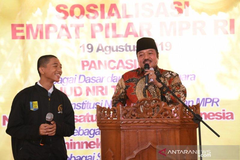 MPR lakukan sosialisasi Empat Pilar di Riau ala Panggung Toktan