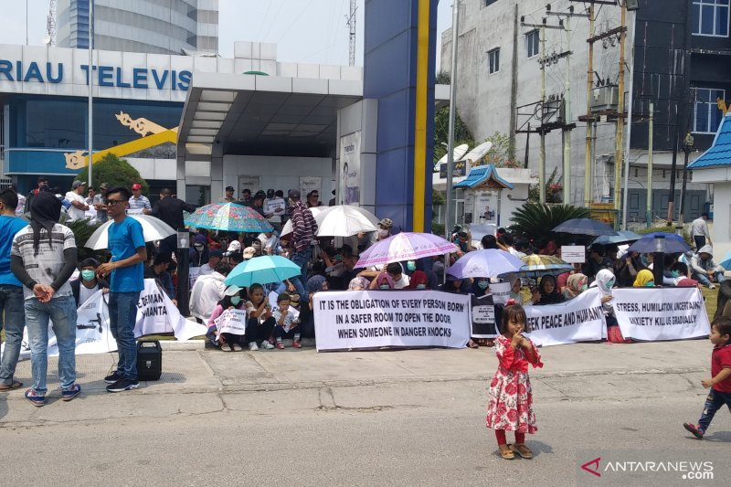 Ratusan pencari suaka kembali demo kantor IOM di Pekanbaru